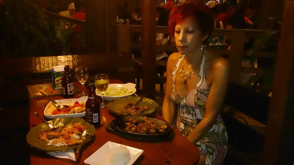 Maribago, Abendessen im Maribago Grill & Restaurant