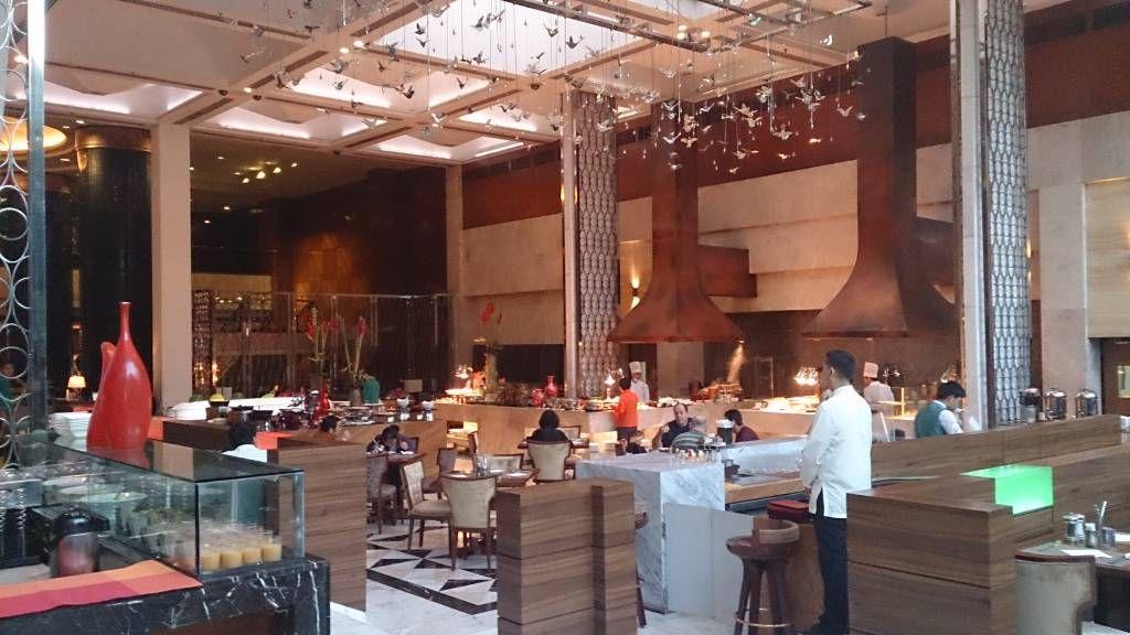 Manila, Diamond Hotel