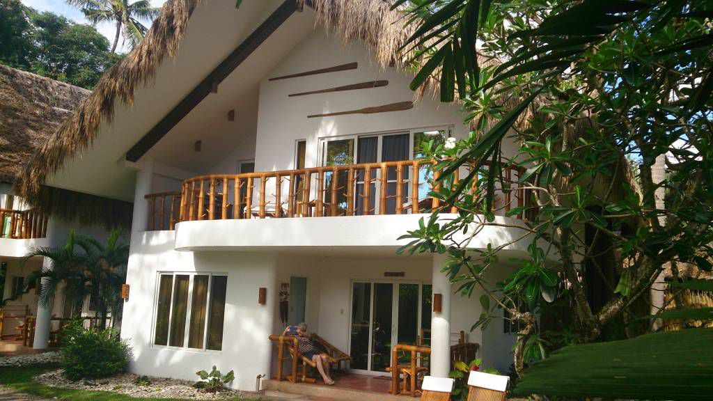Pura Vida Beach Resort
