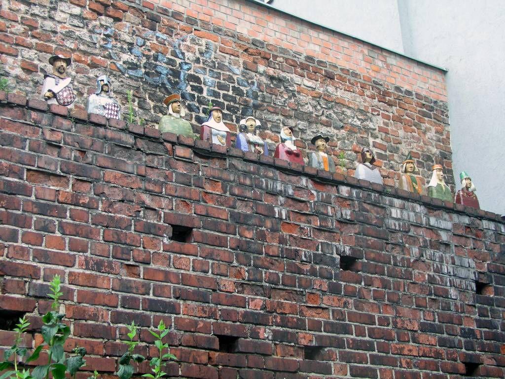 Thorn, Toruń, Stadtmauer, Holzfiguren