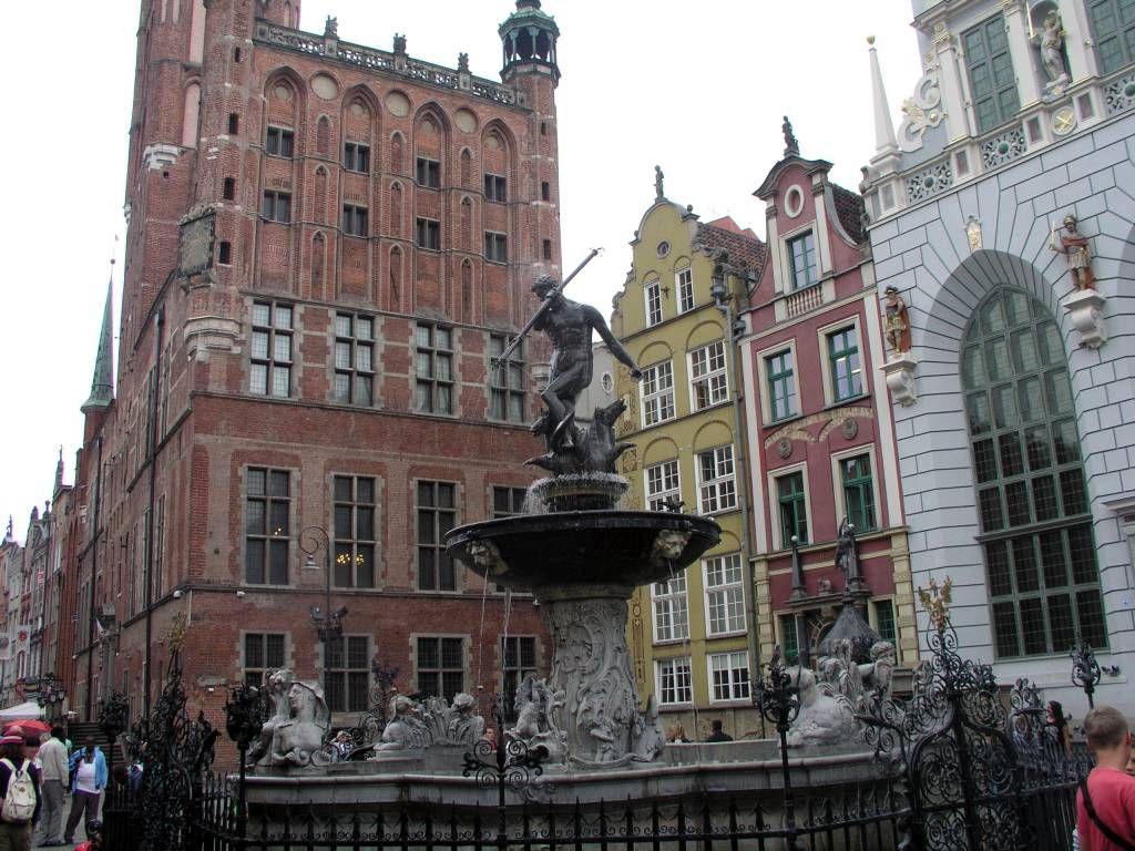 Danzig (Gdańsk), Neptunbrunnen mit Rathaus
