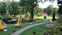 Streckenthin / Schwessin (Strzekęcino / Świeszyno), Hotel Bernsteinpalast, Gartenanlage