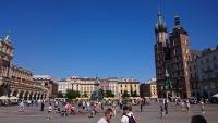 Krakau, Kraków, Hauptmarkt mit Marienkirche, links die Tuchhallen