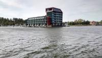 Mikołajki, Nikolaiken, Hafenbereich, Blick auf das Hotel Mikołajki