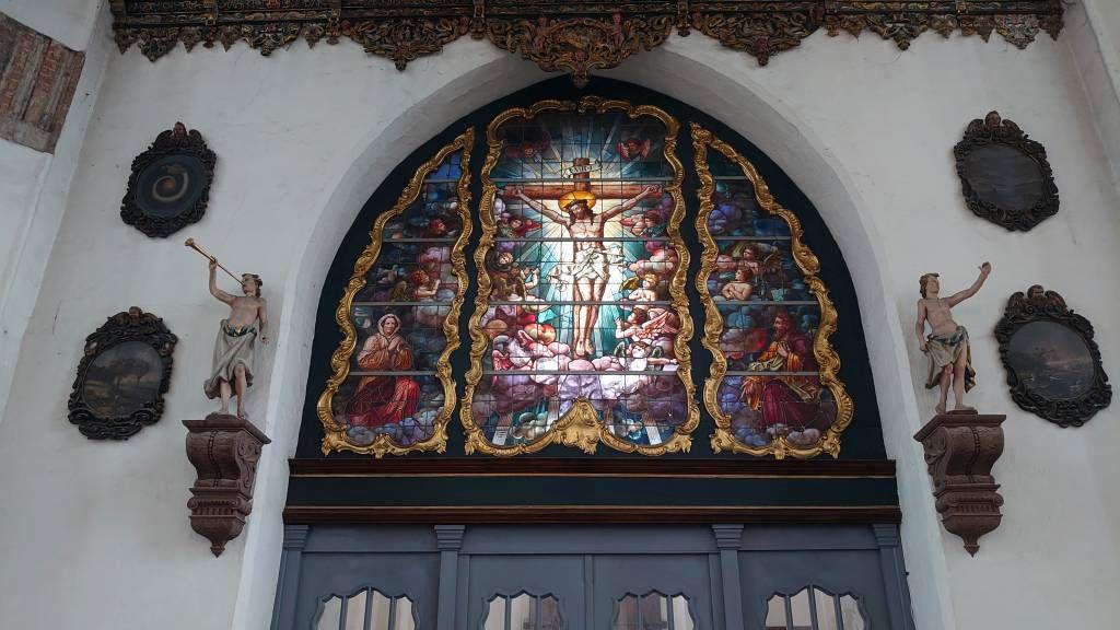 Gdańsk, Danzig, Marienkirche, Fenster über dem Haupteingang