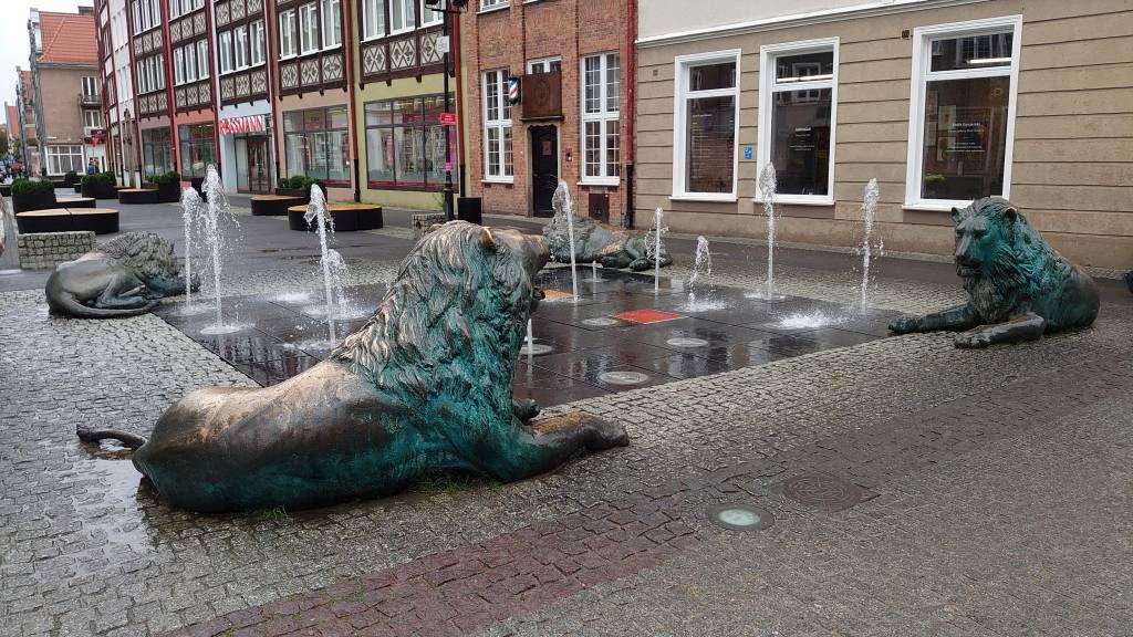 Gdańsk, Danzig, Brunnen nahe der Marienkirche
