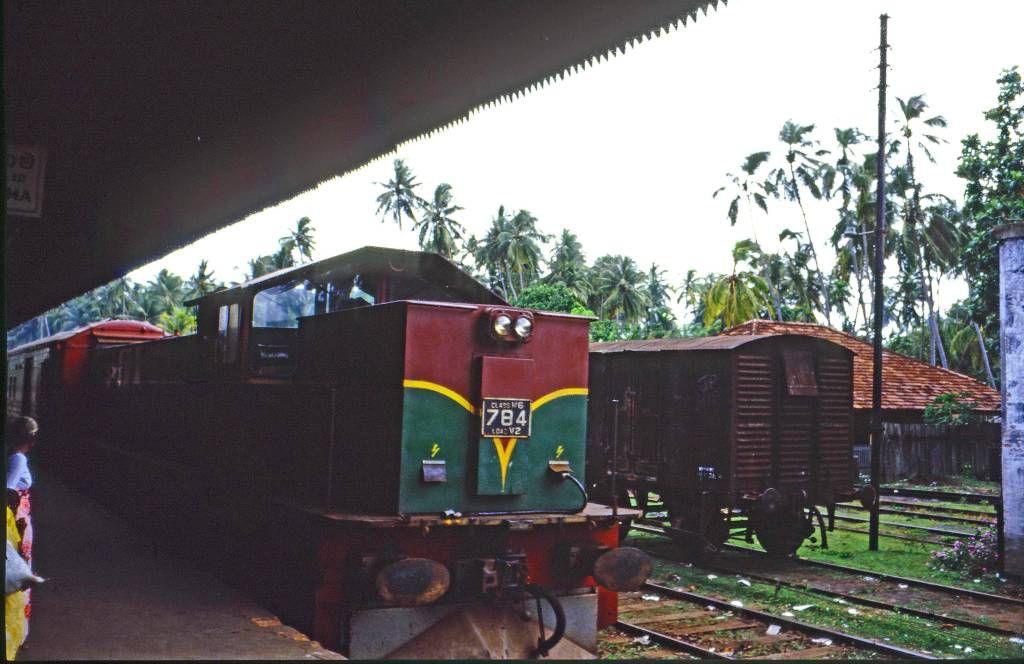 Aluthgama, Bahnhof, Lokomotive