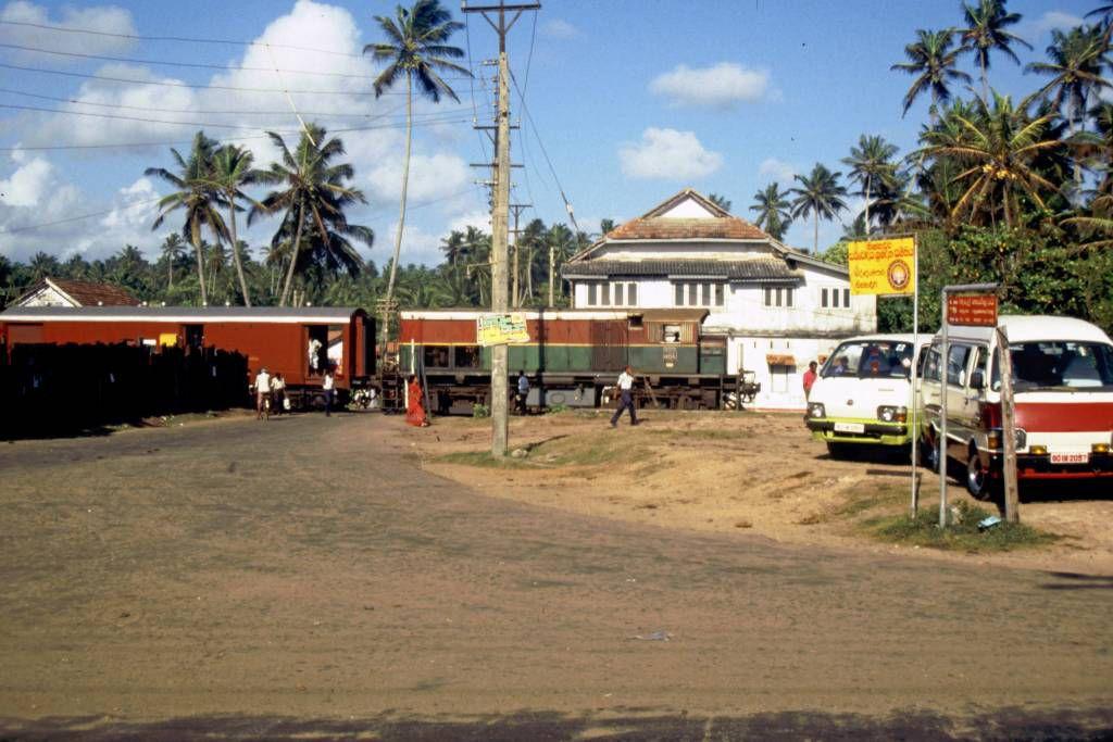 Hikkaduwa, Bahnübergang kurz vor dem Bahnhof