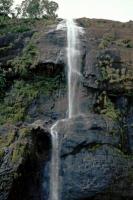 an der Strecke von Hikkaduwa über Galle, Weligama, Ella nach Nuwara Eliya, Diyaluma Wasserfall