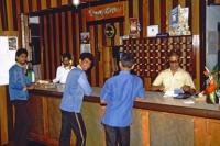 Hikkaduwa, Sunils Beach Hotel, Personal an der Rezeption