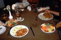 Hikkaduwa, Sunils Beach Hotel, Chicken Nuggets und Salat