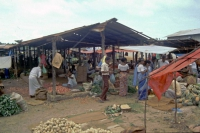Aluthgama, Markt