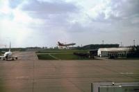 Schönefeld, unsere Airlanka Tristar für den Hinflug landet