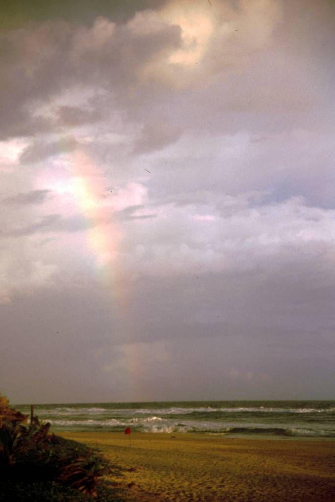 Koggala Beach Hotel, Regenbogen am Strand