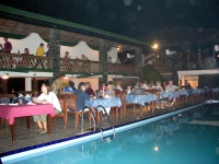 Barbecue am Pool des Koggala Beach Hotels