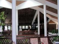 In der Bar des Koggala Beach Hotels