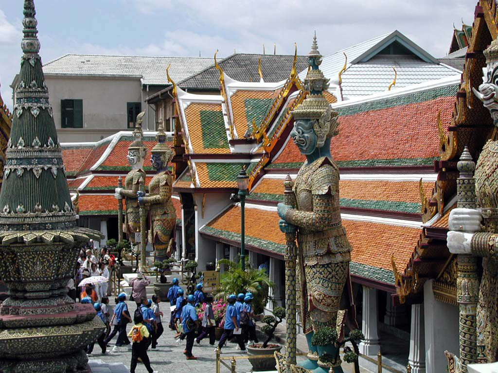 Eingang zum Wat Phra Kaeo neben dem großen Palast