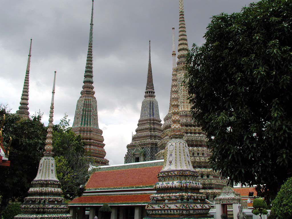 Innerhalb des Wat Pho