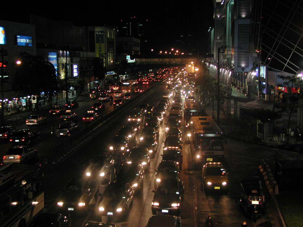 Feierabendverkehr auf der Phayathai Straße