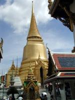 Chedi innerhalb des Wat Phra Kaeo