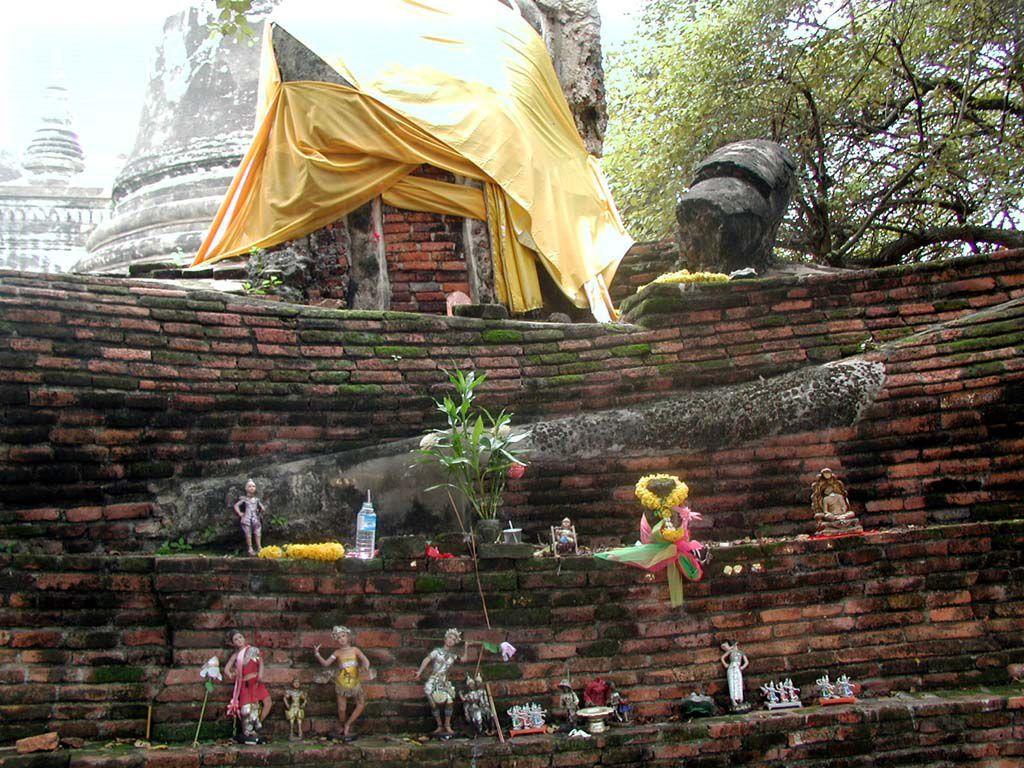 Buddhaverehrung im Wat Sri Sanphet