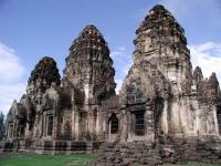 Die 3 Pagoden des Affentempels von Lopburi