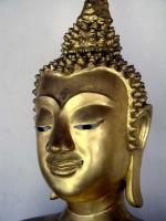 Buddhastatue im Wat Phra Sri Maha Dhat