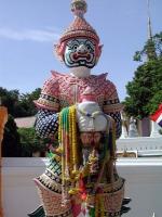 Yaksa am Eingang des Wat Pra Buddhabath in Saraburi