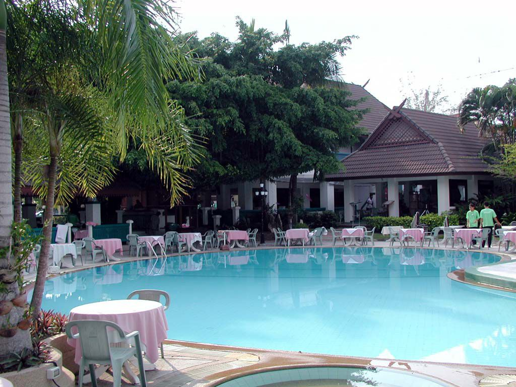 Einer der 2 Pools des Pinnacle Resort Jomtien