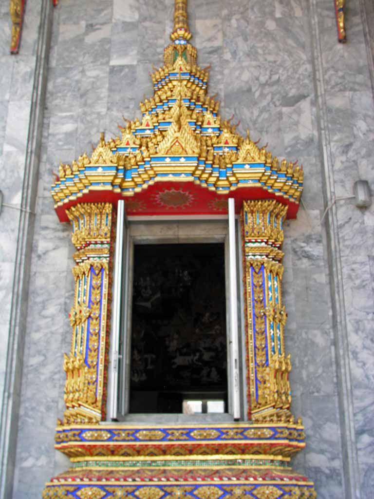 Fenster im Wat Hua Lamphong