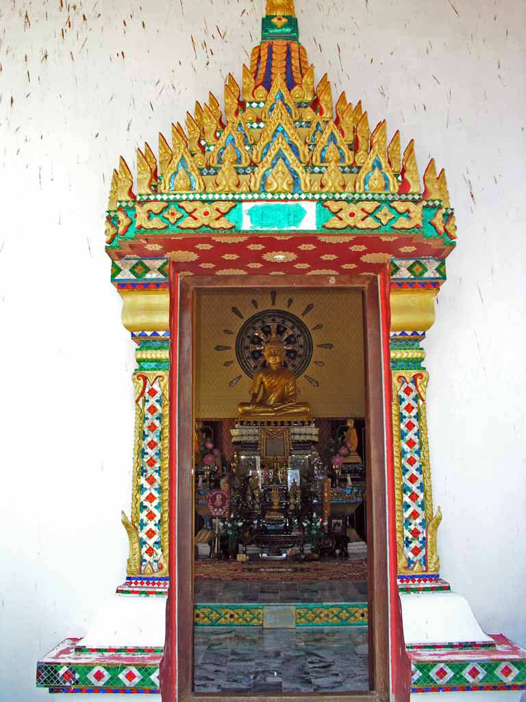 Fenster am Wat Klong Prao