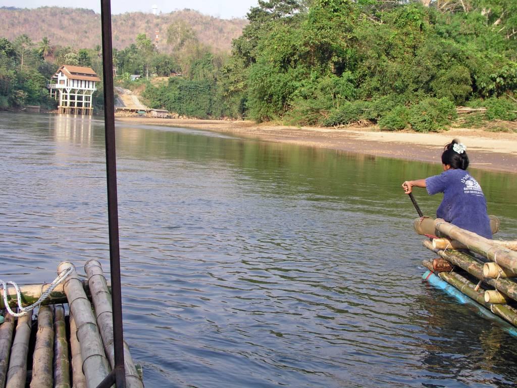 """Sai Yok, Floßfahrt auf dem """"River Kwai"""" (Khwae Noi)"""