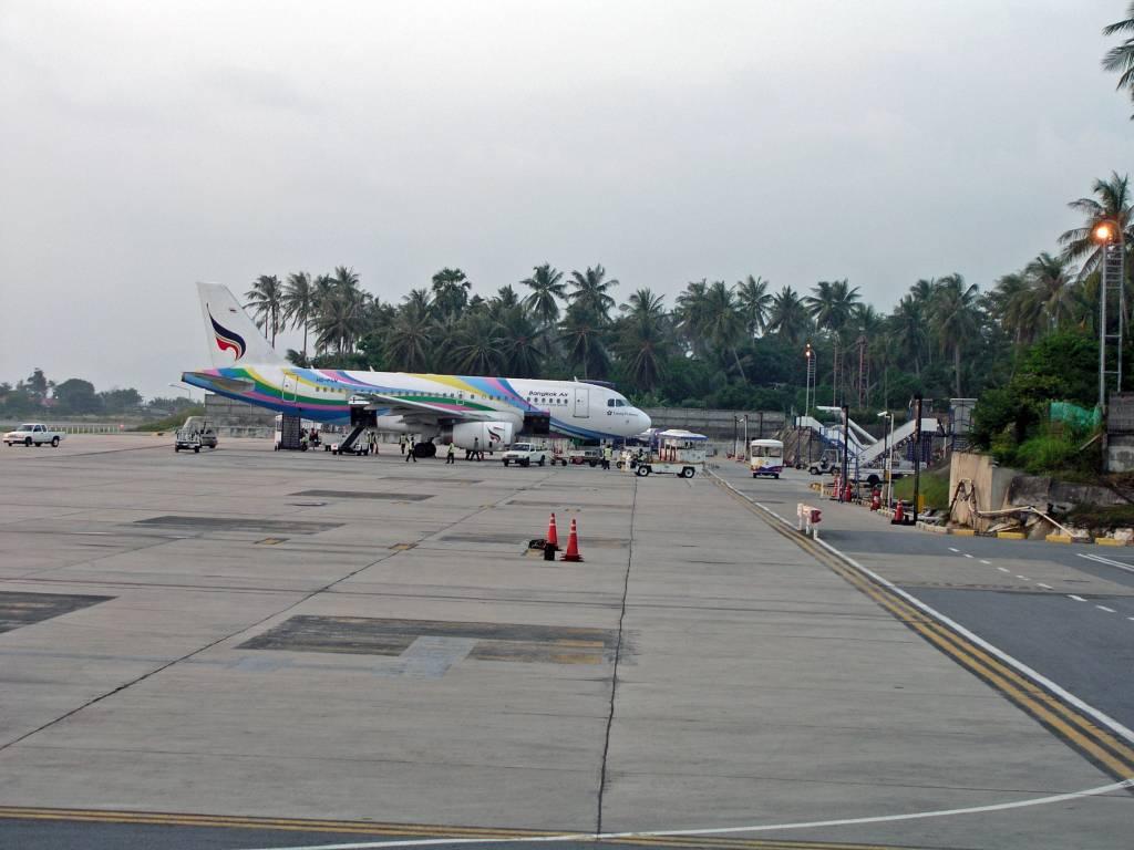 Ko Samui, Ban Bang Rak, Flughafen