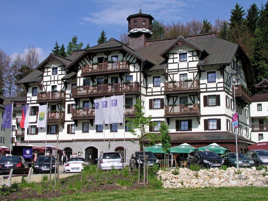 Spindlermühle, Zentrum, Hotel Savoy