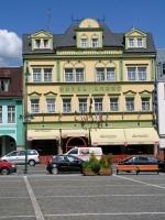 Hohenelbe, Gebäude im Zentrum, Hotel Labut