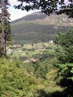 Spindlermühle, Blick auf das Hotel Olympie (links mit grünem Dach)