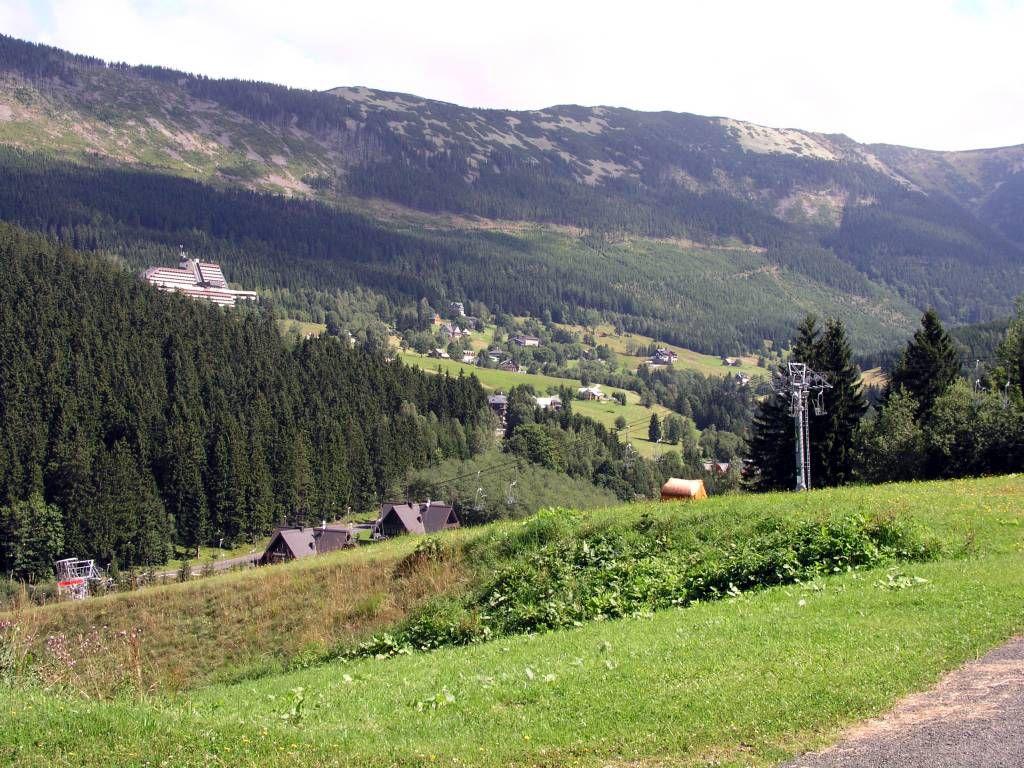 Spindlermühle, Blick vom Skiarreal im Süden über Svaty Petr