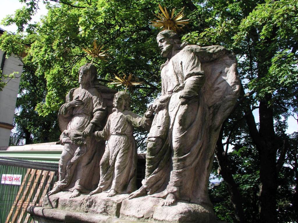 Trautenau, Denkmal an der Marienkirche