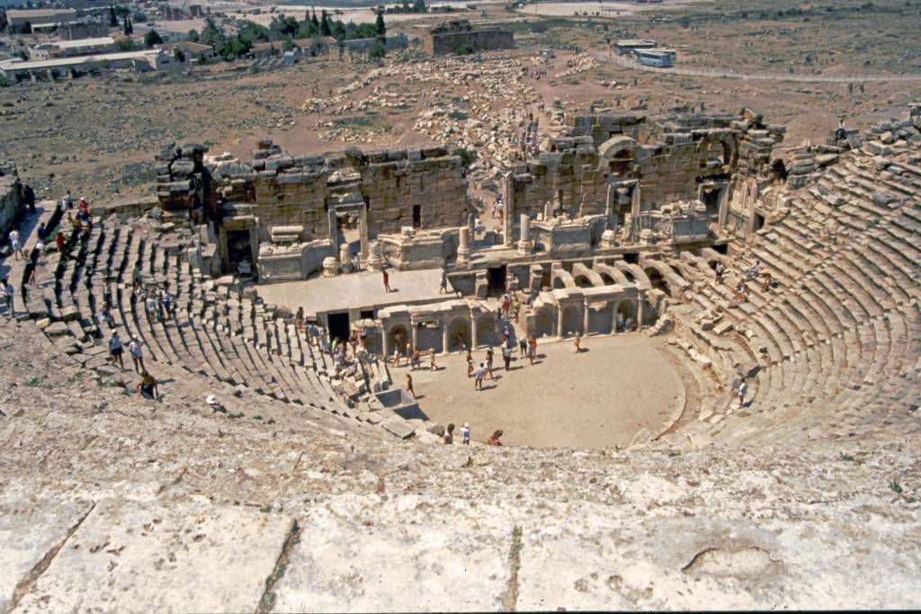 Hierapolis, Römische Ausgrabungen, Theater