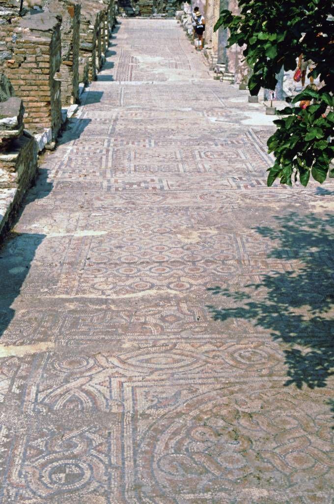 Ephesus, Römische Ausgrabungen, Mosaikboden