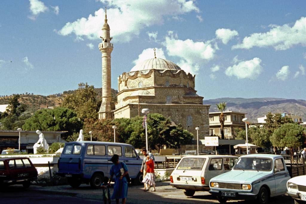 Kuşadası, Moschee