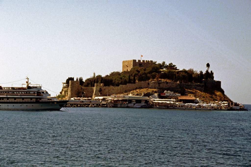 Kuşadası, Festung