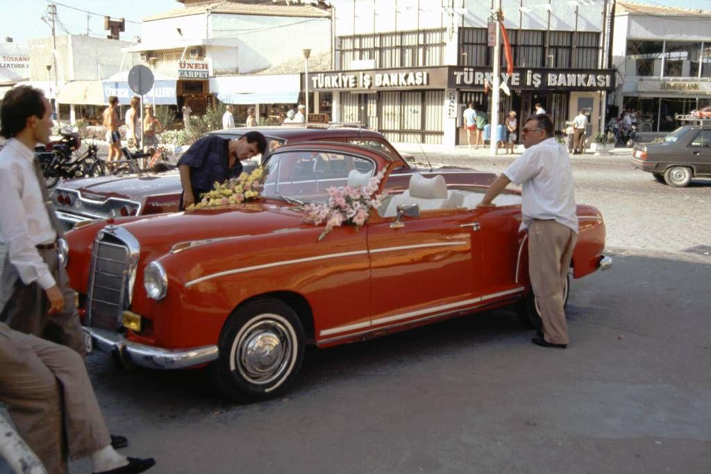 Kuşadası, altes Daimler Benz Kabrio
