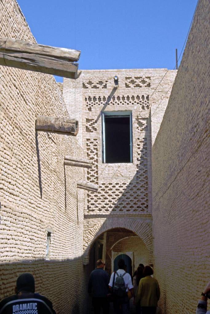 Tozeur, Gebäude