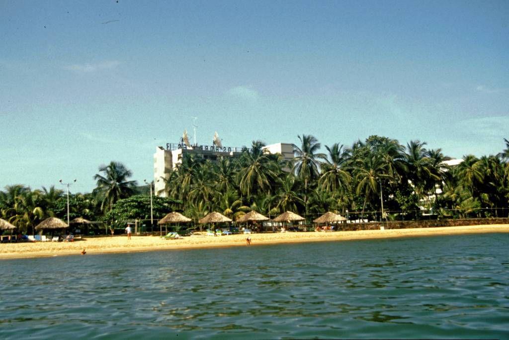 Cumaná, Hotel Los Bordones vom Wasser aus gesehen