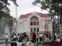 Die Oper von Ho Chi Minh City bei Tag ...