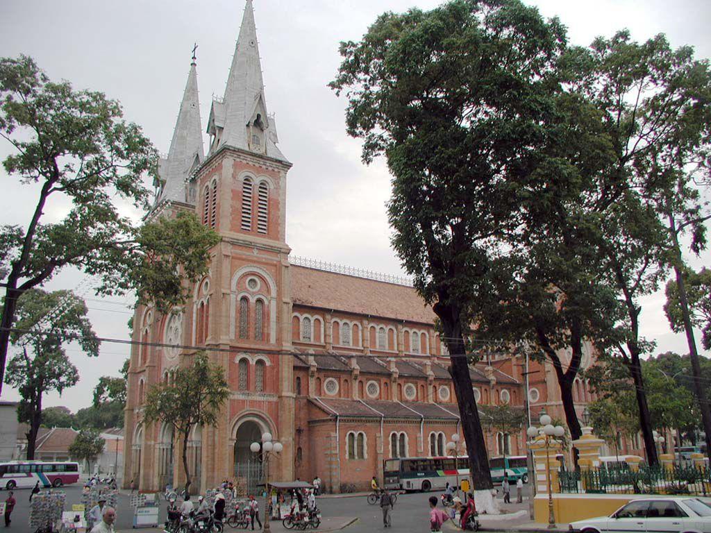 Notre Dame in Saigon / Sai Gon / Ho Chi Minh Stadt