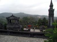 Blick vom Grab des Kaisers Khai Ninh nahe Hue