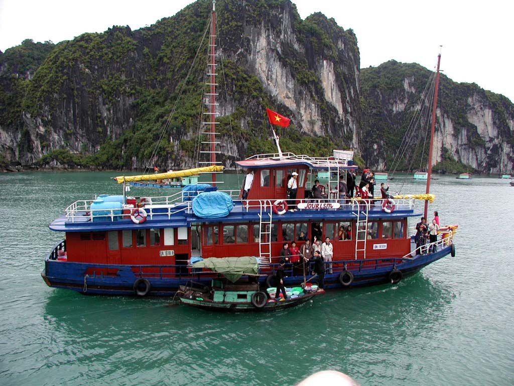 Begegnung in der Ha Long Bucht