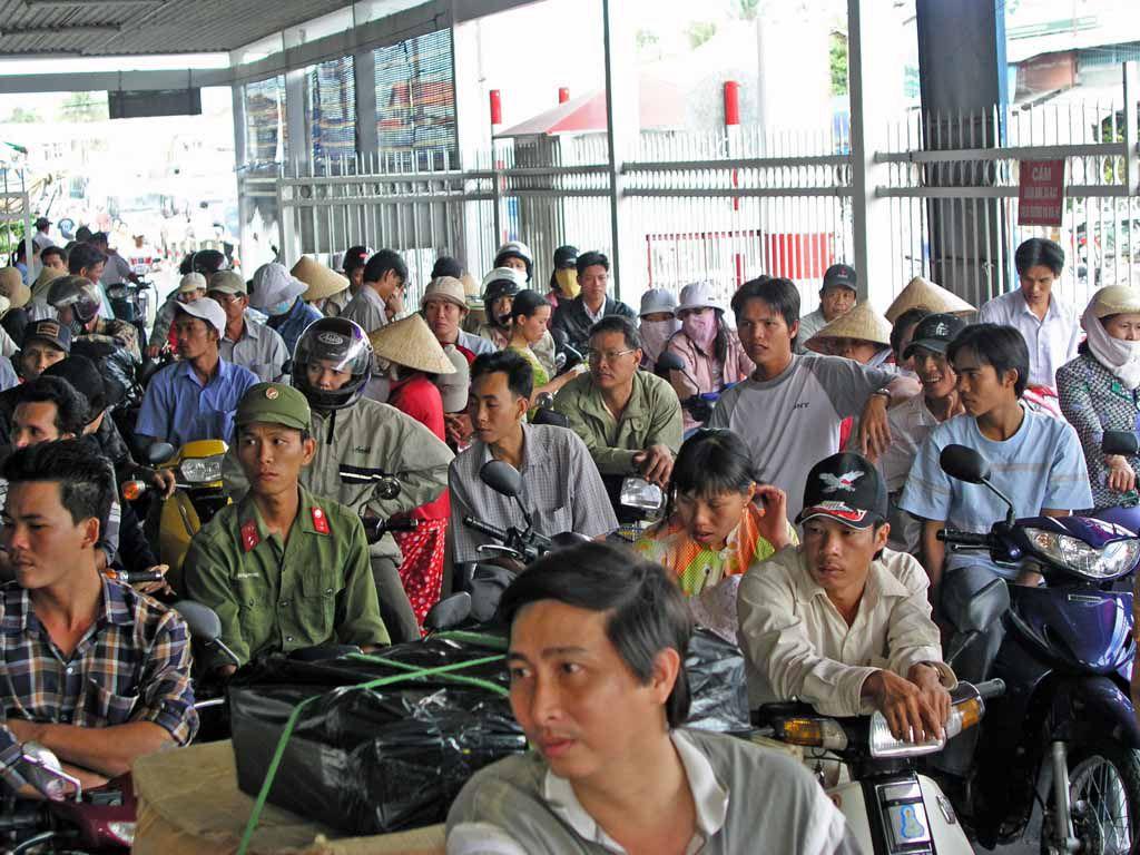 Mekong Delta, warten auf die Fähre nach Can Tho
